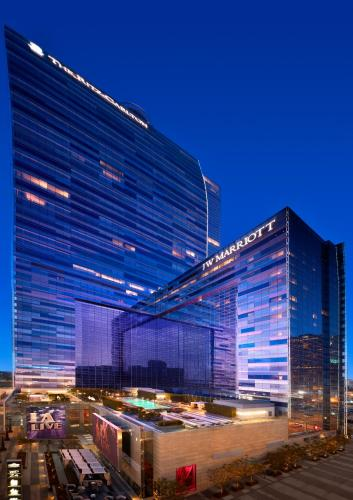 JW Marriott Los Angeles L.A. LIVE photo 16