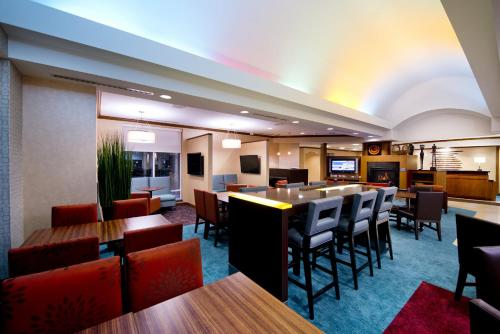 Residence Inn By Marriott Toronto Vaughan - Vaughan, ON L4K 4L4