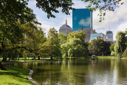 138 St James Avenue, Boston, MA 02116, United States.