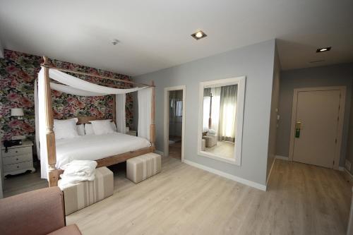 Suite Junior Hotel Château Viñasoro 2