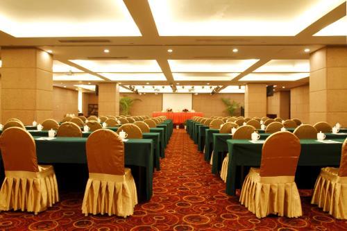 Jingtailong International Hotel photo 20