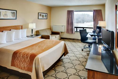 Comfort Inn Waterloo - Waterloo, ON N2J 3H4