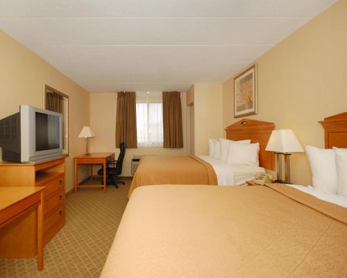 Quality Inn & Suites Fairview Photo