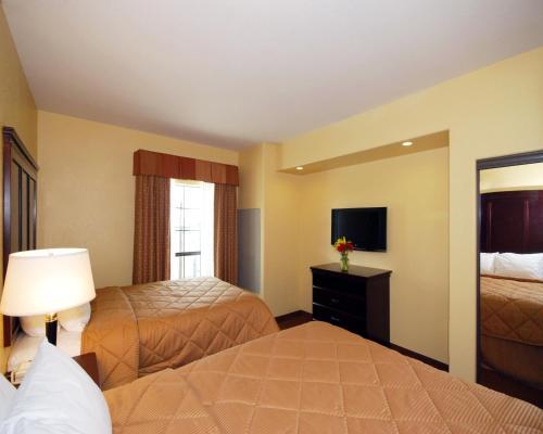 Comfort Inn Near SeaWorld Photo