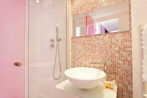 Color Design Hotel photo 45