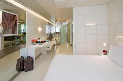 Deluxe Doppelzimmer The Mirror Barcelona 19