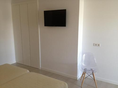 Double or Twin Room Hostal La Palma 10