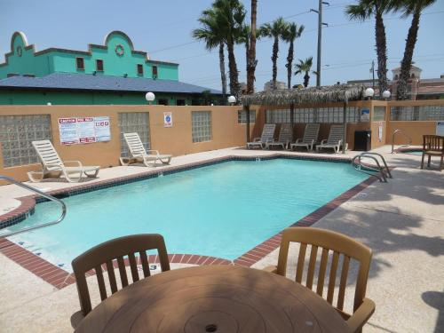 Super 8 South Padre Photo