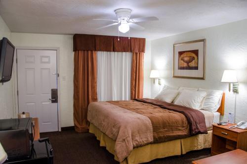 Budget Inn & Suites Colby - Colby, KS 67701