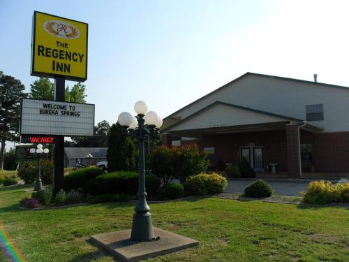 Regency Inn Eureka Springs - Eureka Springs, AR 72632