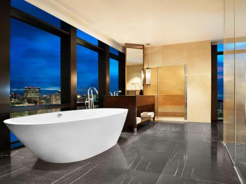 The St. Regis Bangkok photo 16