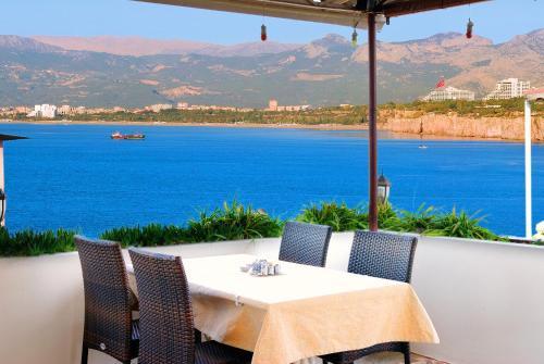 Antalya Ozmen Pension tek gece fiyat