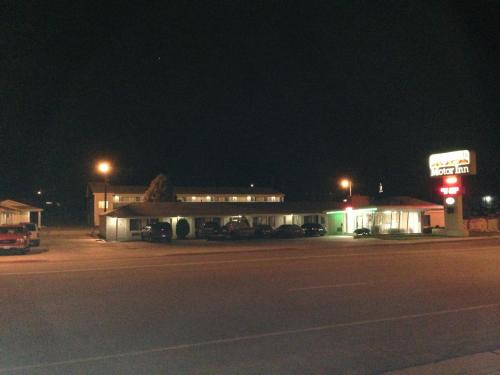 Canyonlands Motor Inn Photo