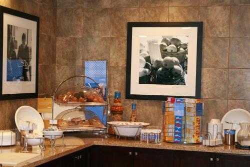 Hampton Inn & Suites Las Vegas South photo 3