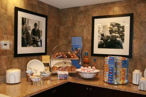 Hampton Inn & Suites Las Vegas South photo 4