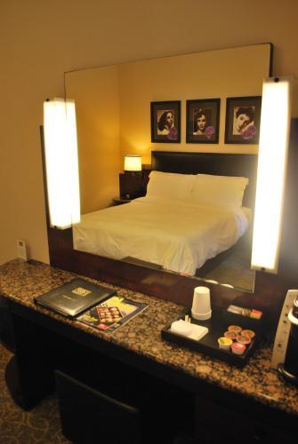 Washington Square Hotel Photo