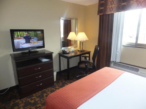 Holiday Inn Mount Prospect-Chicago Photo