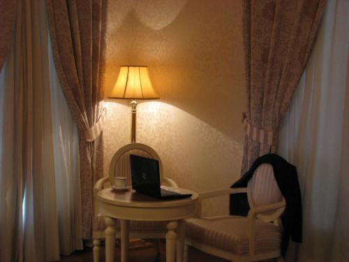 Twin Room Hotel Santa Isabel 8