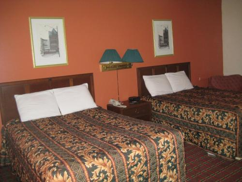 Midtown Hotel - Parry Sound, ON P2A 1W8