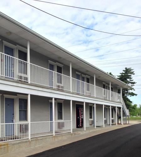 Travelers Suites Paducah - Paducah, KY 42003