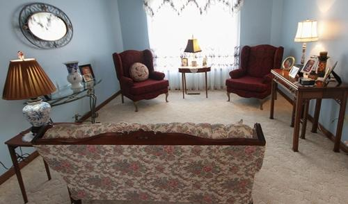 Rose Court Bed & Breakfast - Woodstock, ON N4V1B3