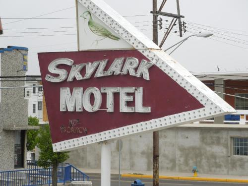 Skylark Resort Motel - Wildwood, NJ 08260