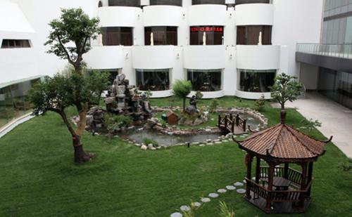 Beijing International Hotel photo 48