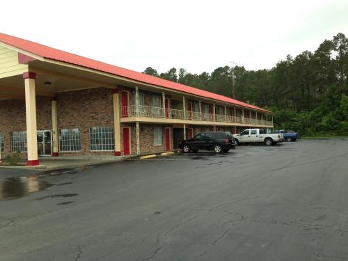 Jeffersonian Motor Inn