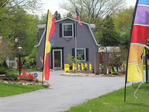 The Carriage House on Slope Hill Photo