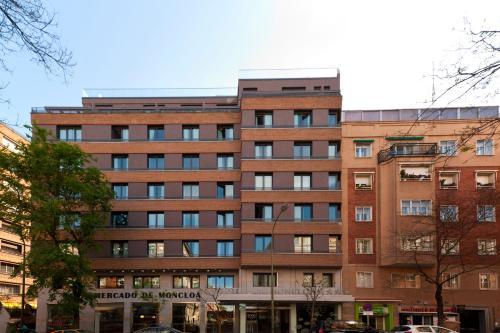 Arcipreste de Hita 10, 28015 Madrid, Spain.