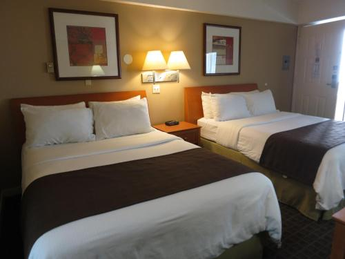 Best Western Capilano Inn & Suites - North Vancouver, BC V7P 3B4