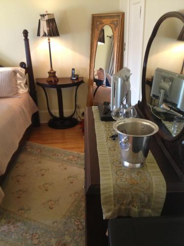 Bellview Luxury Suites - Baddeck, NS B0E 1B0