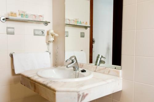 Hotel El Palmeral photo 11