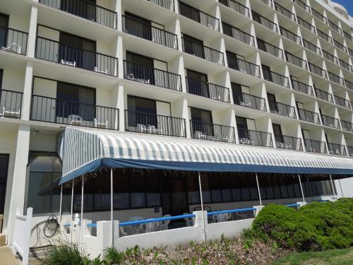 The Barclay Towers Hotel and Resort Photo