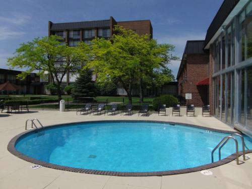 Ramada Plaza Fort Wayne Hotel and Conference Center