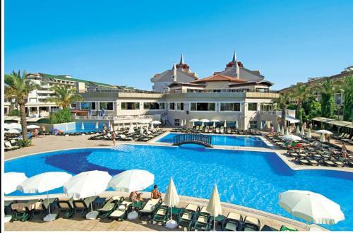 Boğazkent Aydinbey Famous Resort tatil