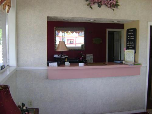 Ashland Inn - Ashland, KY 41101