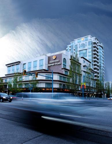 Executive Hotel Vancouver Airport Photo
