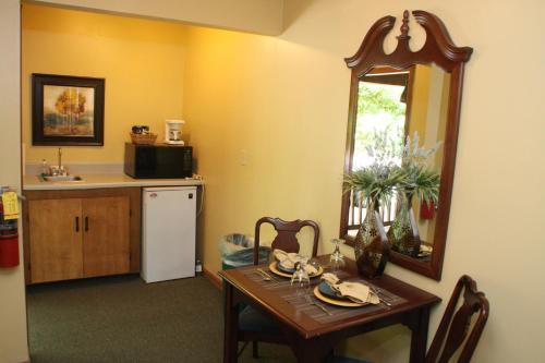 Forrest Hills Mountain Resort And Conference Center - Dahlonega, GA 30533