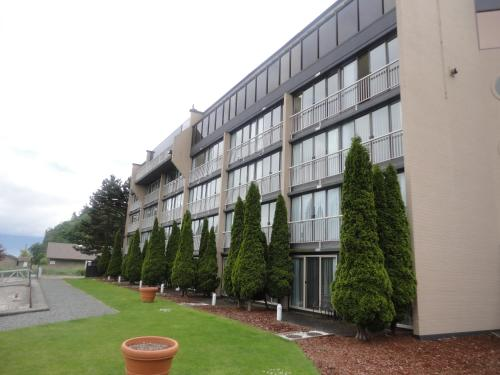 Oceanfront Suites At Cowichan Bay - Cowichan Bay, BC V0R 1N0