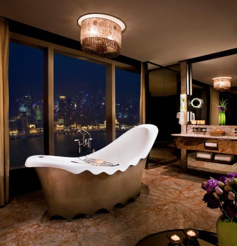 The Ritz-Carlton Shanghai, Pudong photo 4