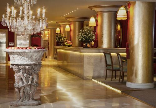 Huentala Hotel Photo