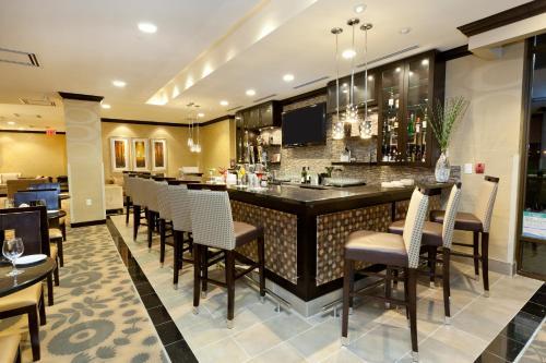 Hilton Garden Inn Toronto Brampton - Brampton, ON L6S 6J9