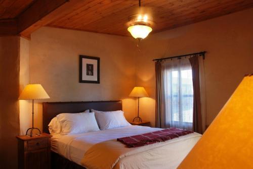 The Maverick Inn - Alpine, TX 79830