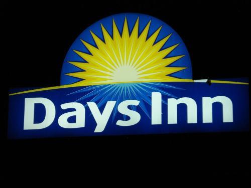 Days Inn Chetwynd Photo