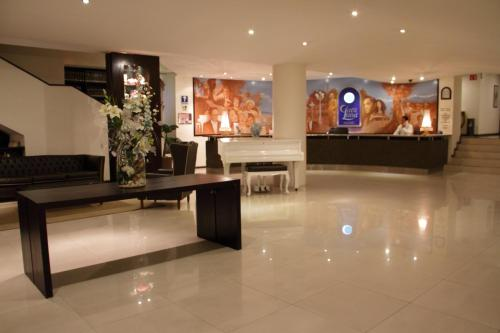 Hotel Clara Luna Photo