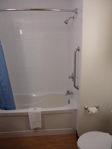 Quality Inn Moncton Photo