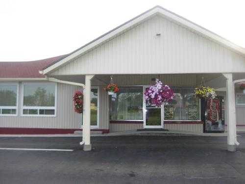 Majers Motel - Stratford, ON N5A 6S5