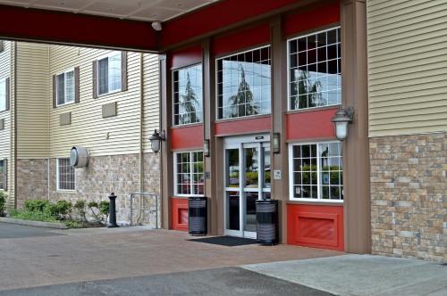 Red Lion Inn & Suites Kent - Kent, WA 98032