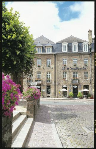 1 Place du Champ Clos, Dinan, 22100